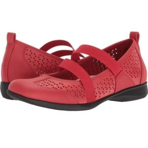 Trotters Josie Mary Jane in red
